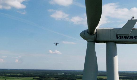 Badanie stanu turbin z drona